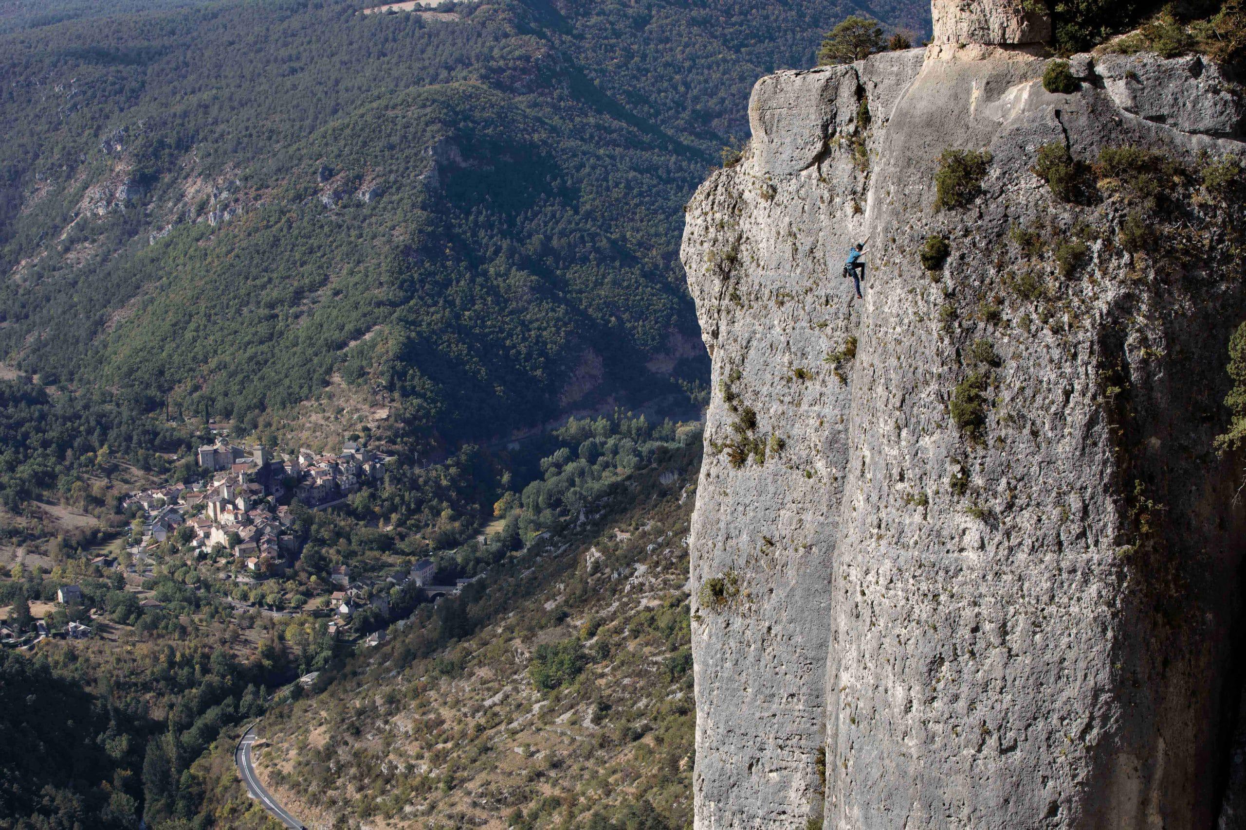 Stage yoga et escalade dans les Cévennes aveyron lozere gorges du tarn gorges de la jonte gorges de la dourbi occitanie midi pyrénées