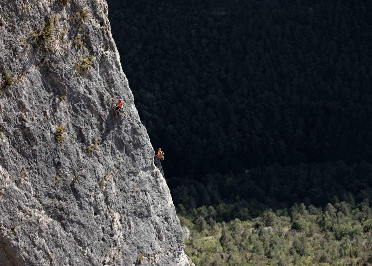 Stage yoga et escalade dans les Cévennes aveyron lozere gorges du tarn gorges de la jonte gorges de la dourbi occitanie midi pyrénées sud ouest