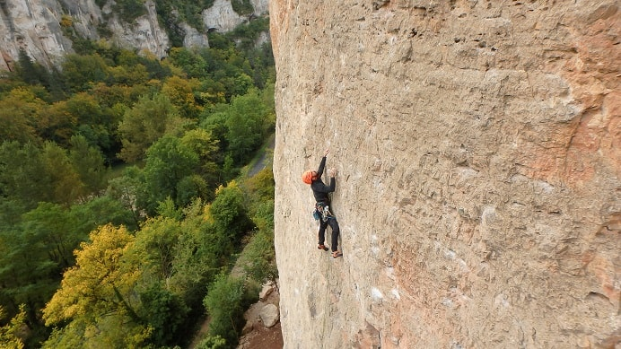 escalade gorges du tarn roc aiguille aveyron 12000
