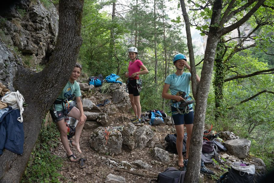 stage escalade et yoage en aveyron cévennes millau 12000 occitanie